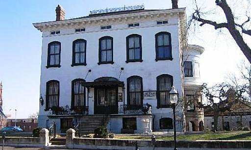 """Lemp Mansion"", JAV."