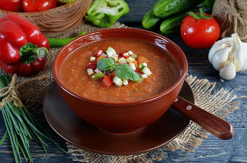 Ispaniška šalta pomidorų sriuba (gaspačas)