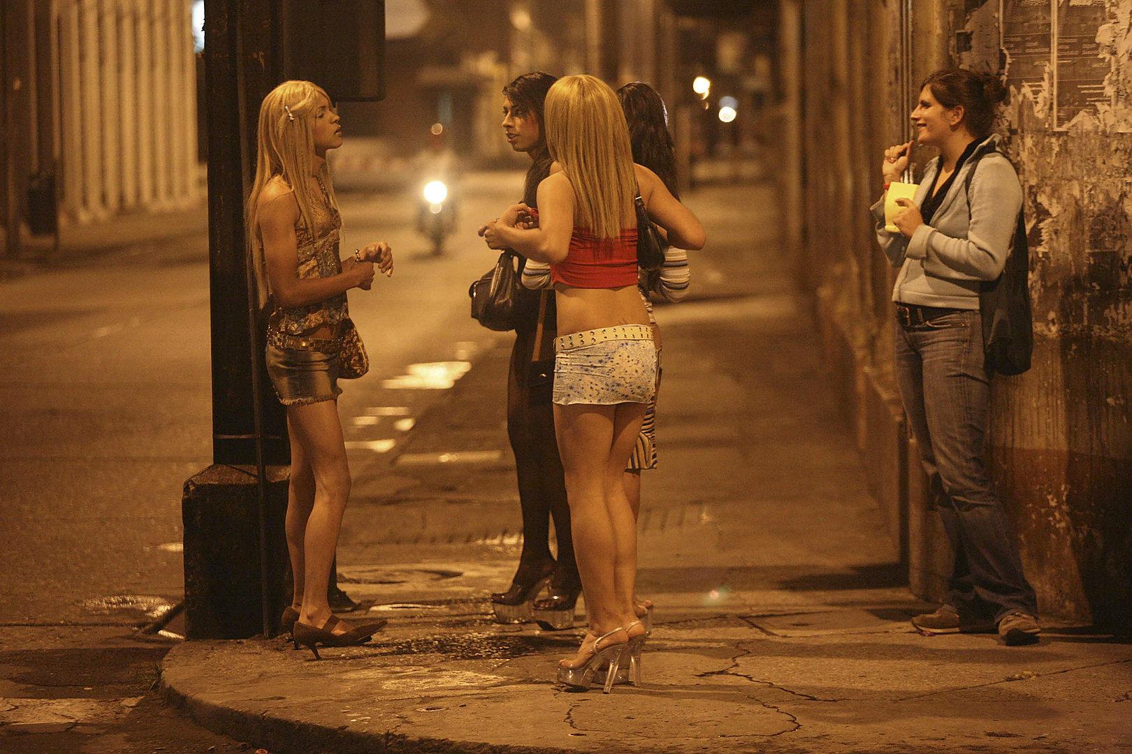 Фото шлюх на улицах, Снял на улице проститутку порно фото бесплатно на 18 фотография