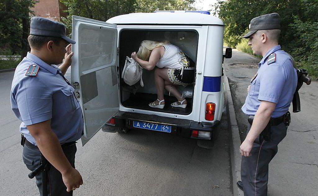 Милиция крышует проституток проститутки города котельниково