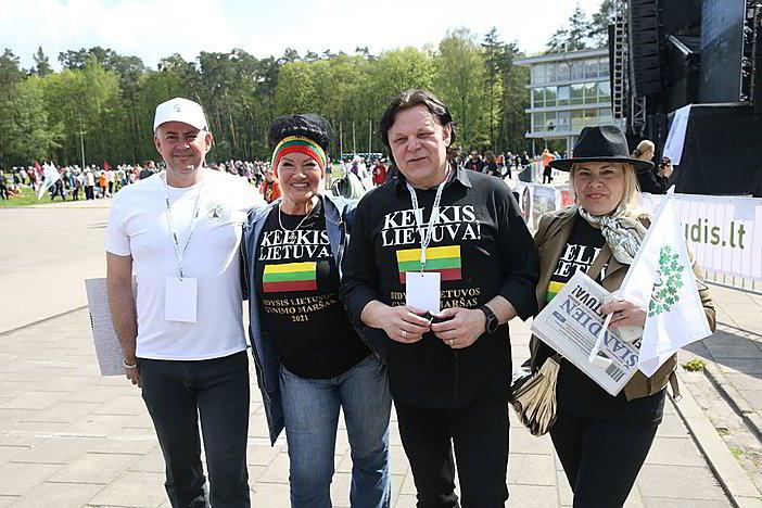 """Gyvai: Vilniaus Vingio parke – """"Didysis šeimos gynimo maršas"""""""