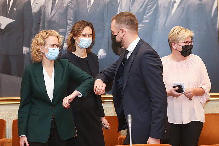 Gyvai: parlamentarų komentarai prieš Seimo posėdį