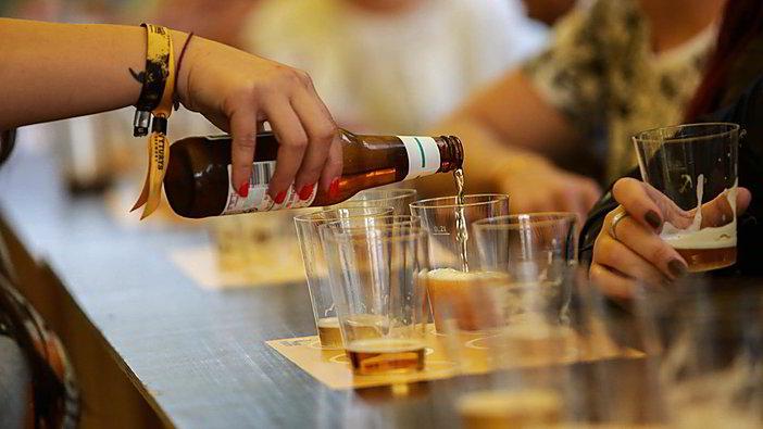 Gyvai: naujausi PSO duomenys apie alkoholio suvartojimą Lietuvoje